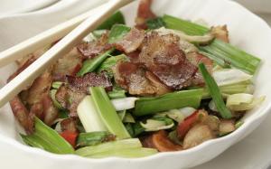 meat & chopsticks